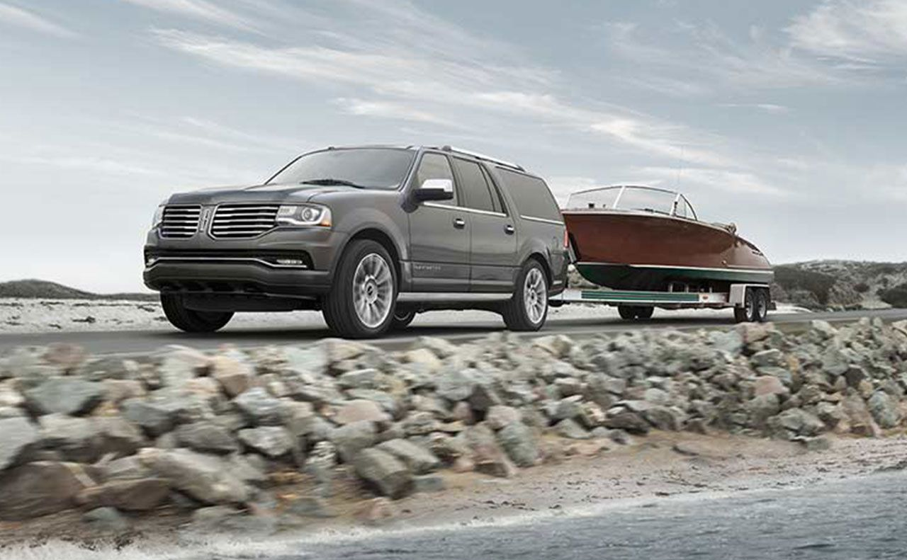 2017 lincoln navigator exterior tow boat motion