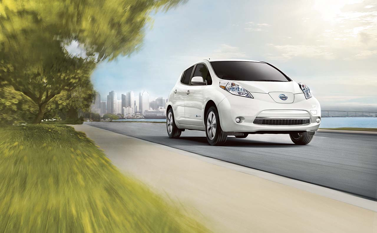 2016 nissan leaf exterior front right