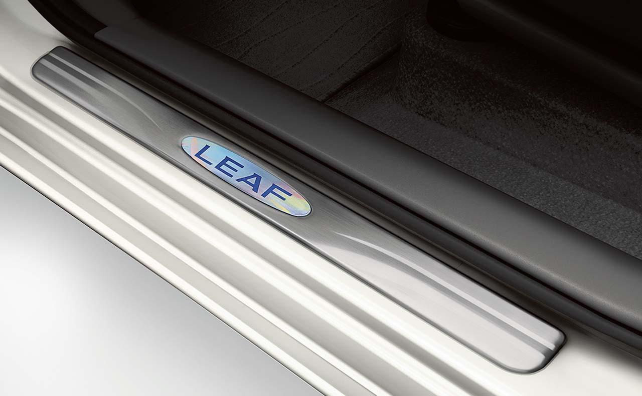 2016 nissan leaf exterior step