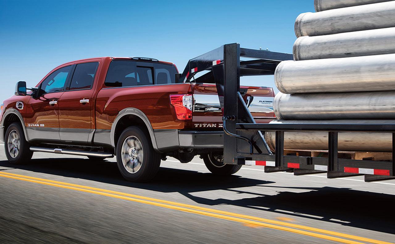 2016 nissan titan exterior towing platinum pulling trailer tailights