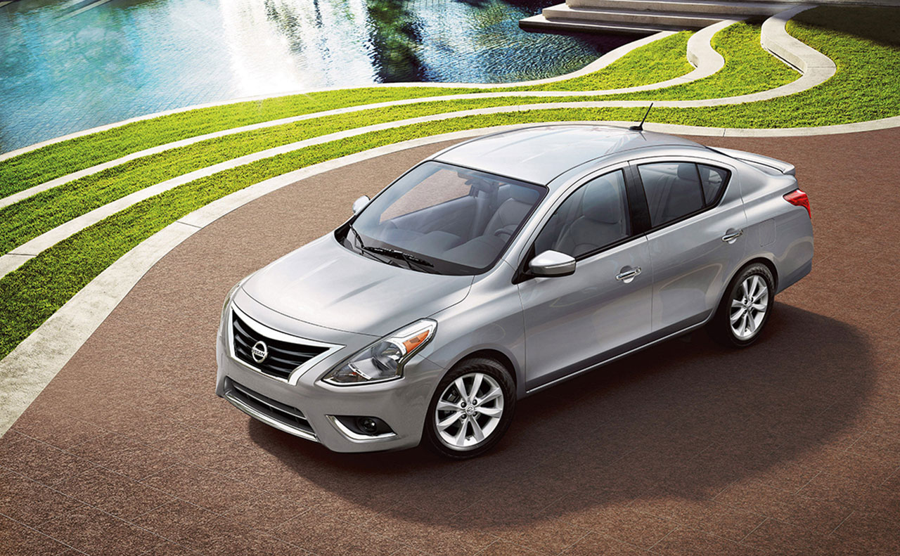 2016 nissan versa exterior silver overview windshield