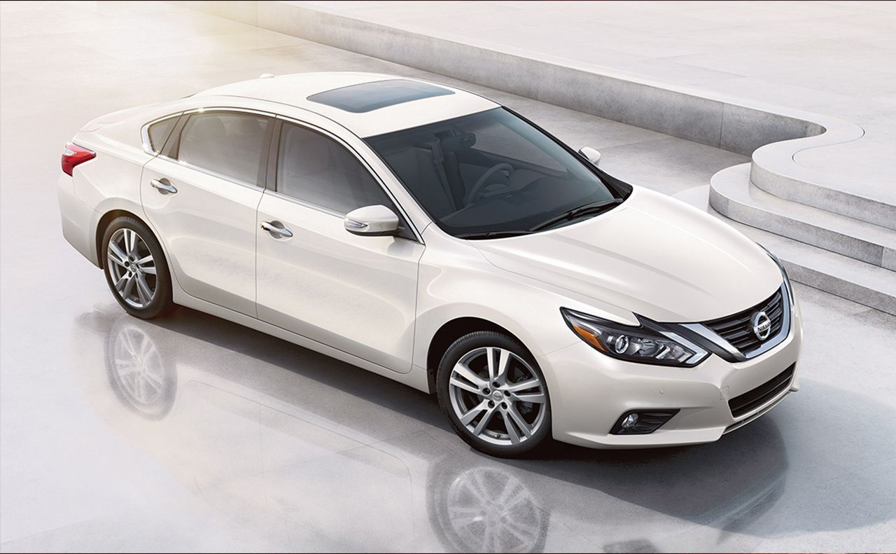 2017 nissan altima exterior white headlights sunroof