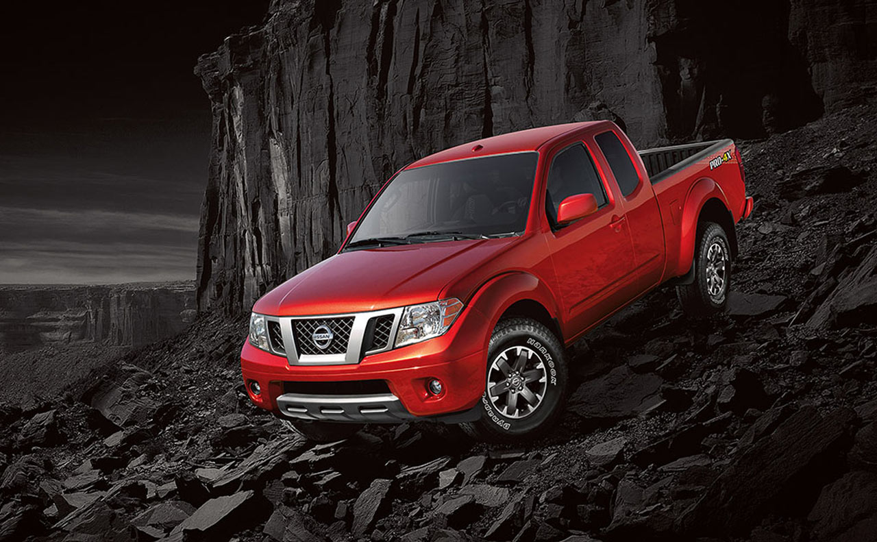 2017 nissan frontier exterior lave red descent control