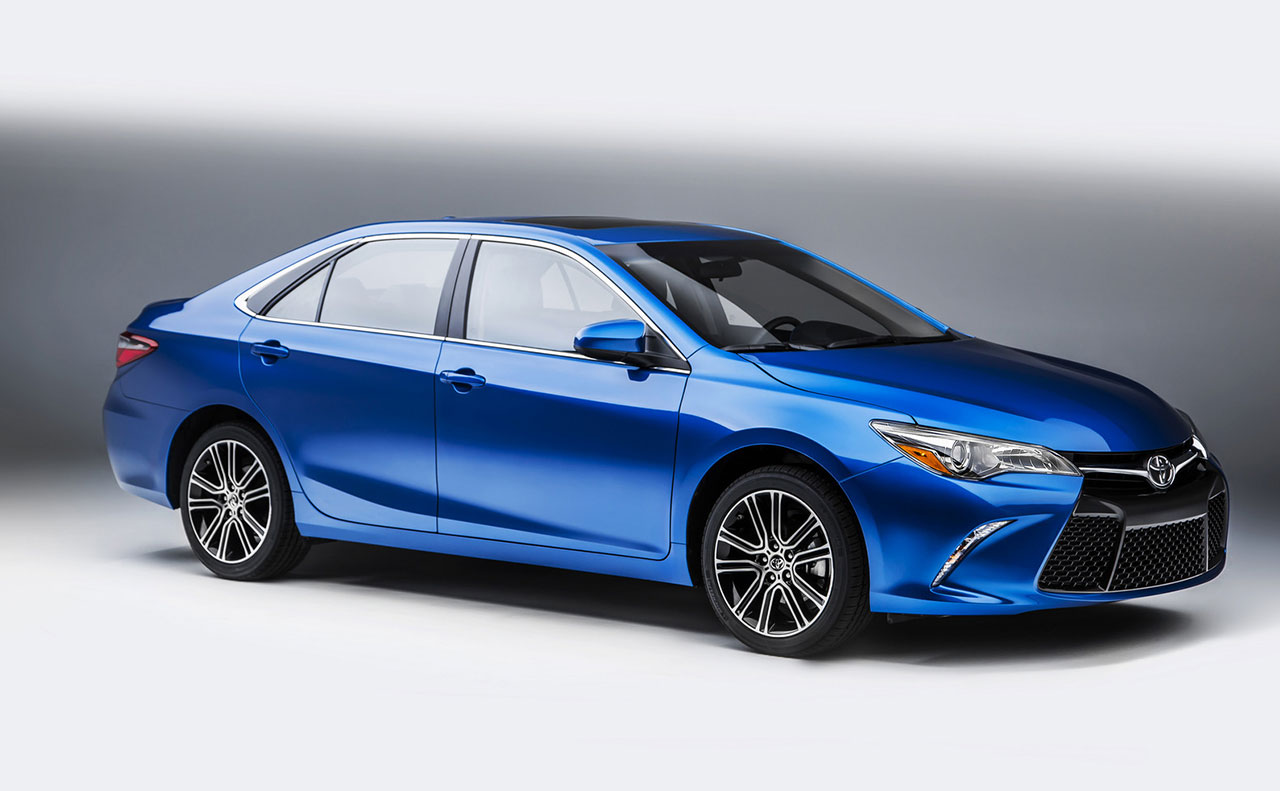 2016 toyota camry exterior blue rims front