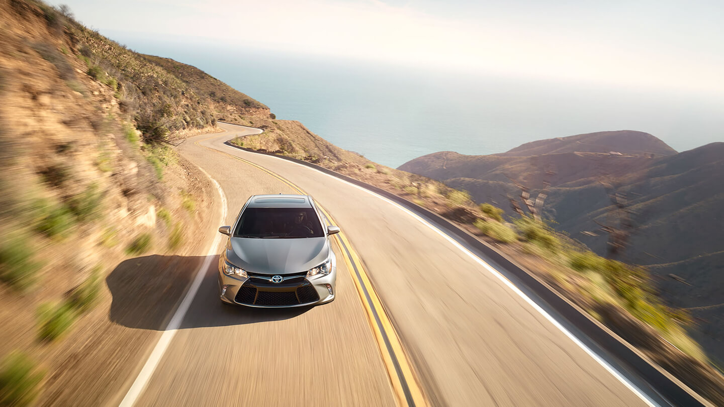 2016 toyota camry sale over view