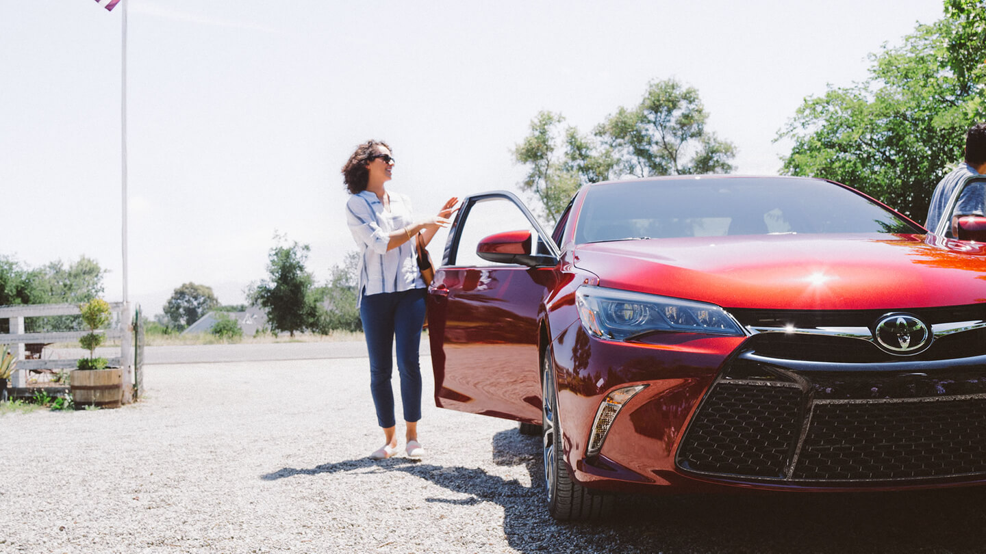 2016 toyota camry sale parked 3