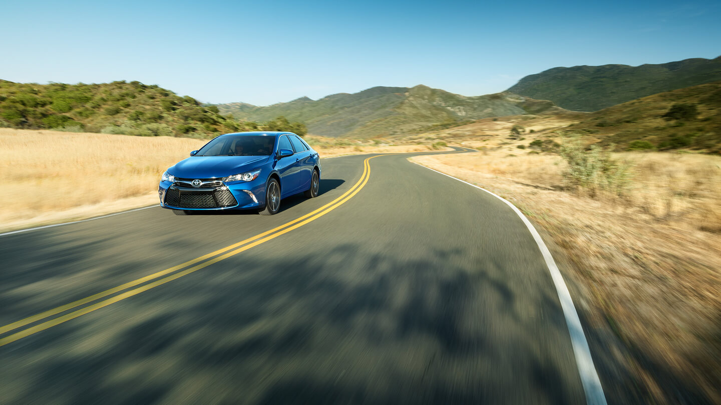 2016 toyota camry sale side view