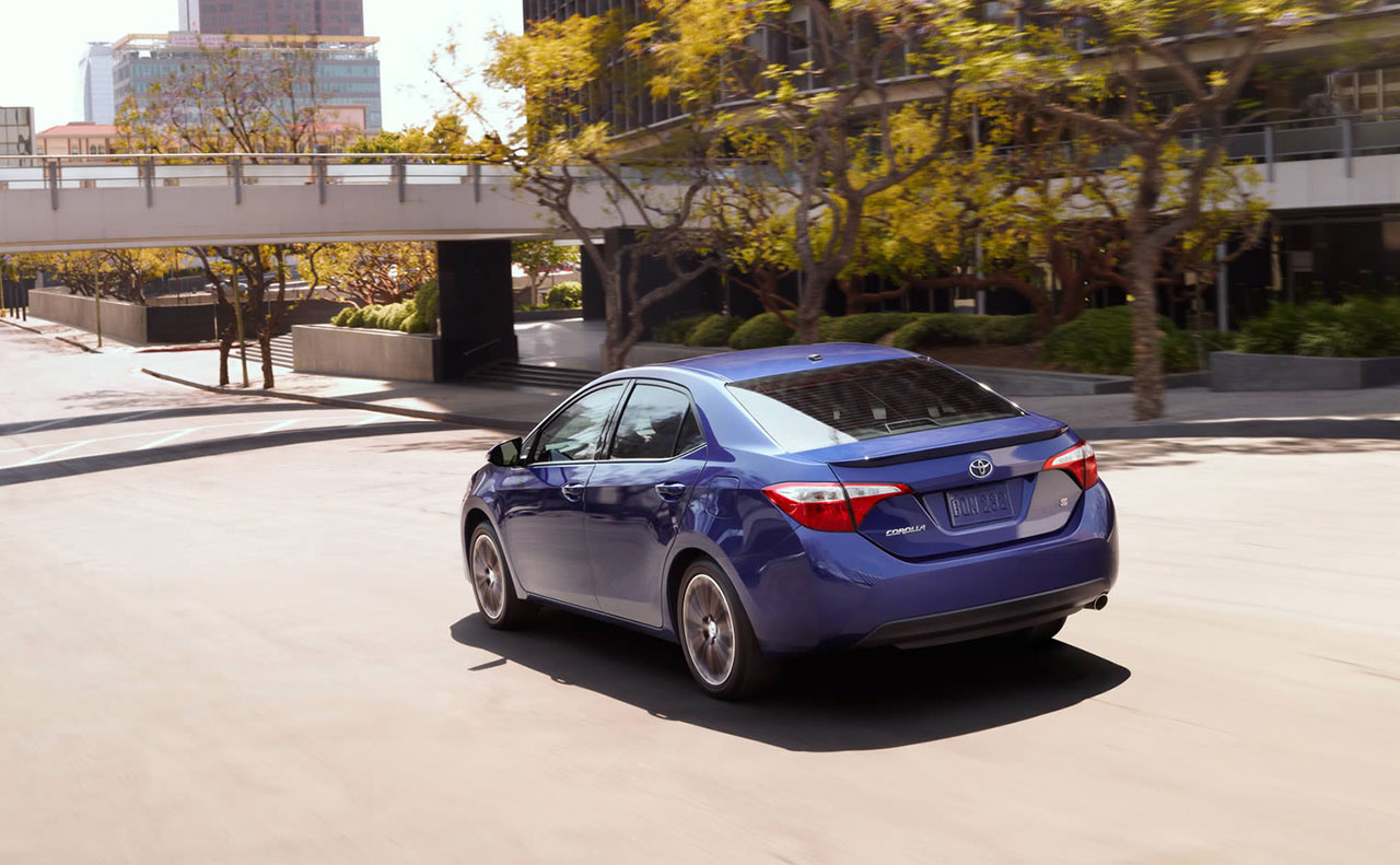 2016 toyota corolla rear door view