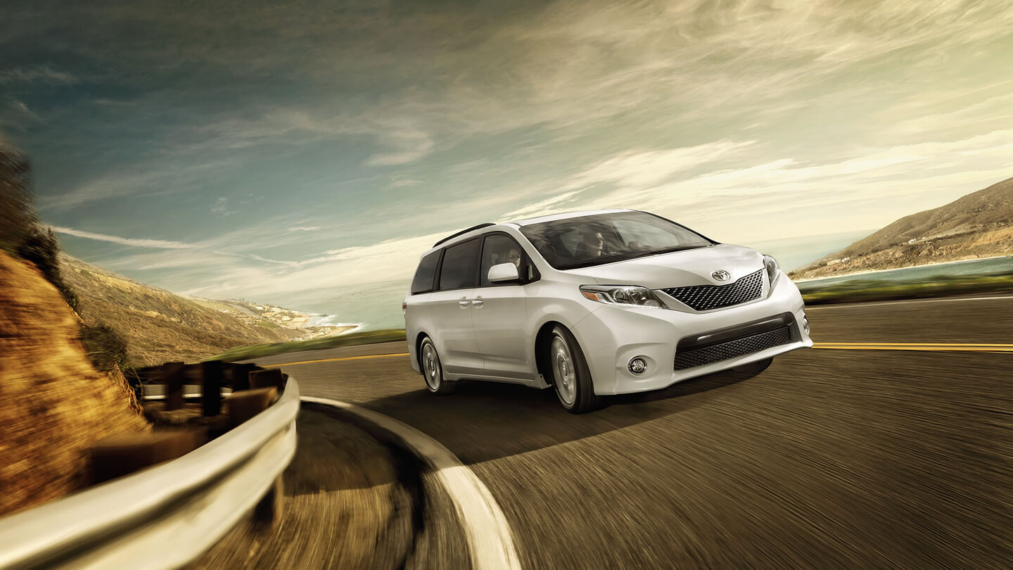 2016 toyota sienna side view 2