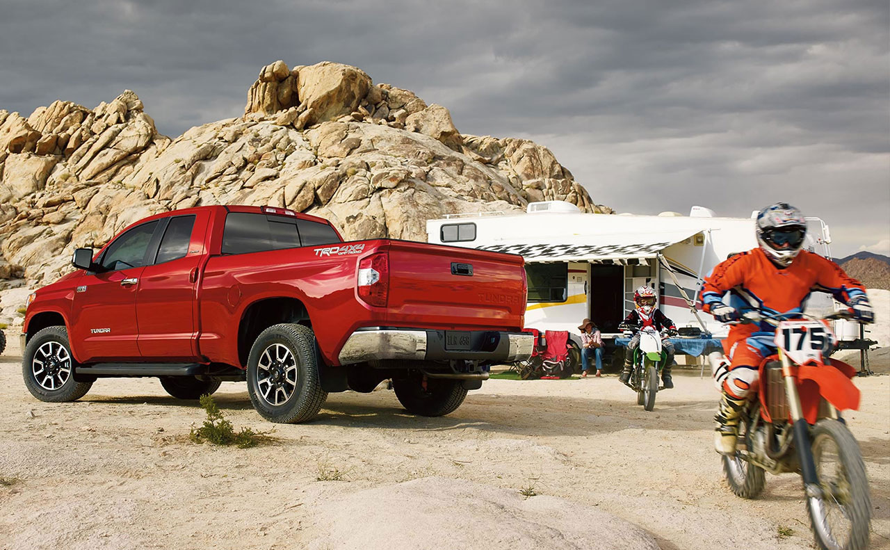 2016 toyota tundra exterior rear view off road