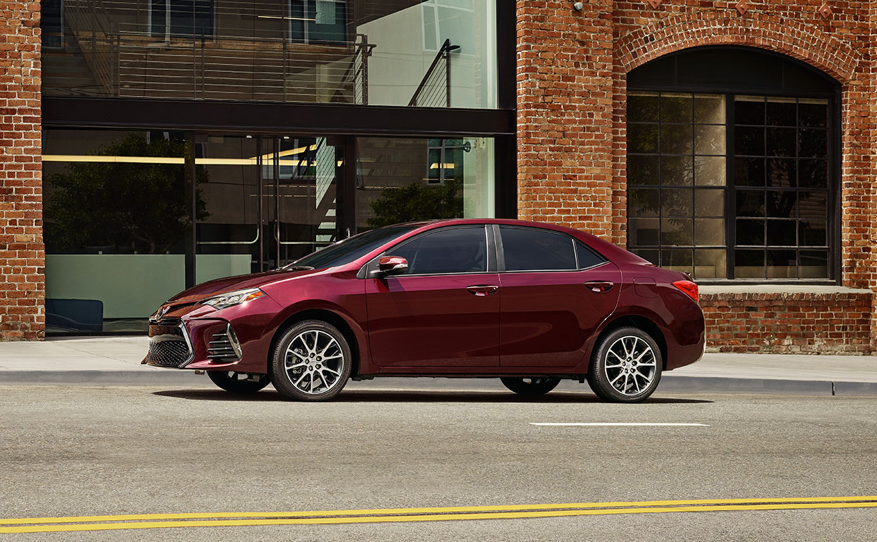 2017 toyota corolla exterior red rims side
