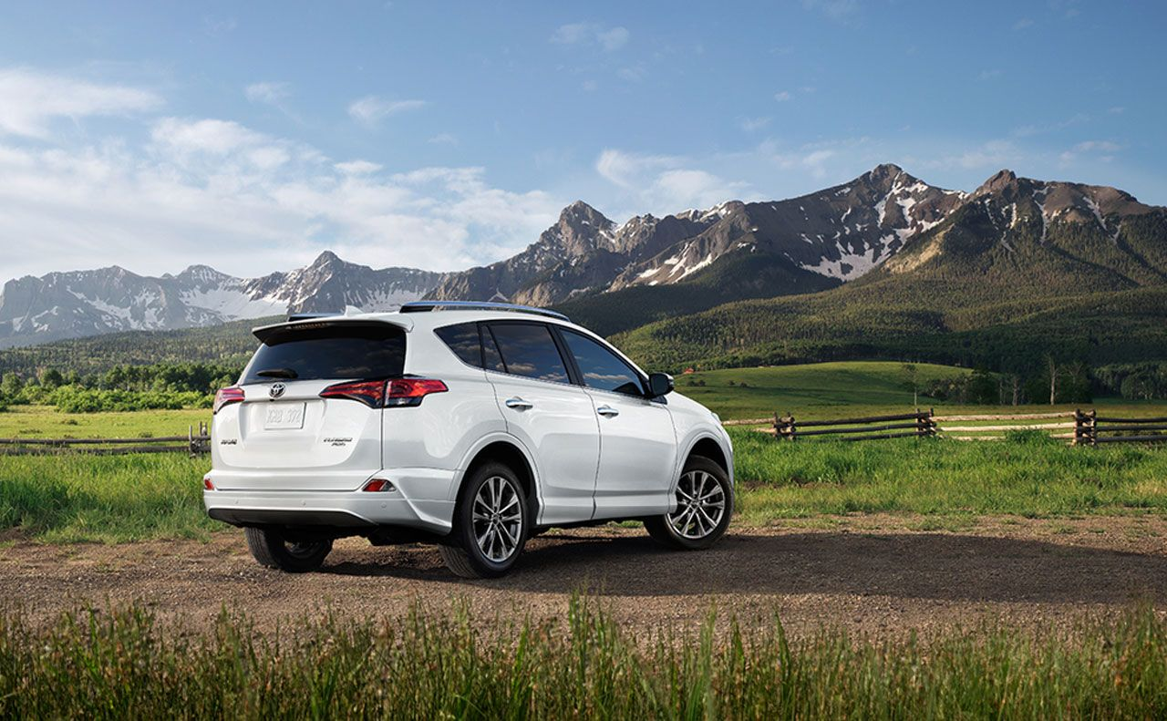 2017 toyota for white+rear view