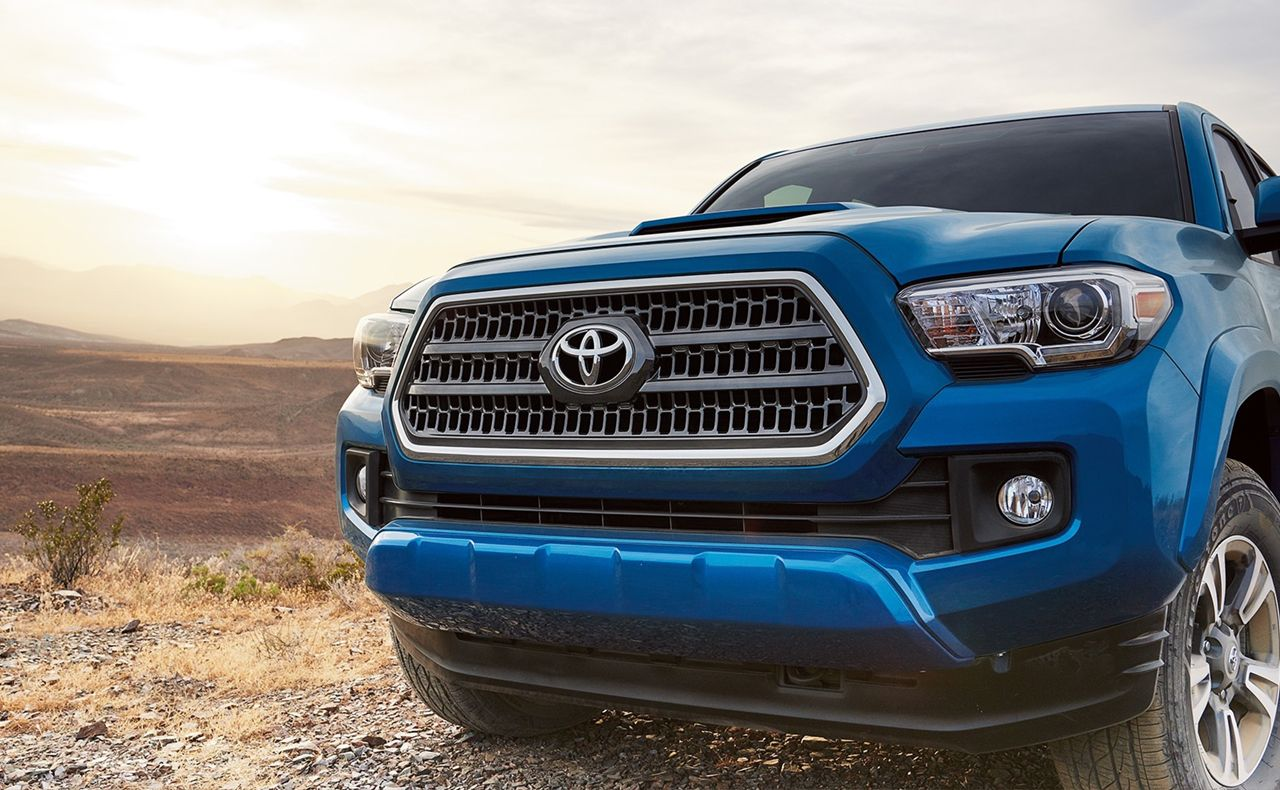 2017 toyota tacoma exterior blue grille front