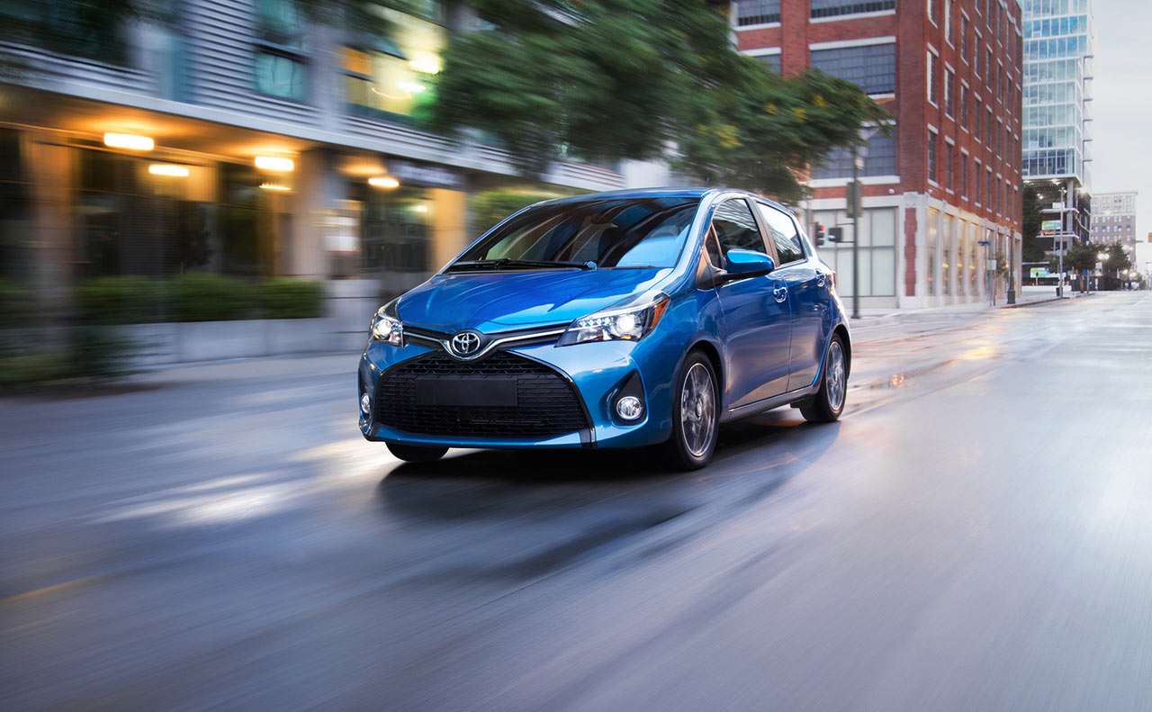 2017 toyota yaris exterior blue traction windshield