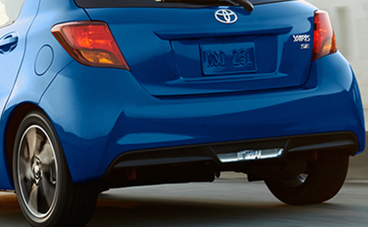 2017 toyota yaris exterior rear liftgate lights