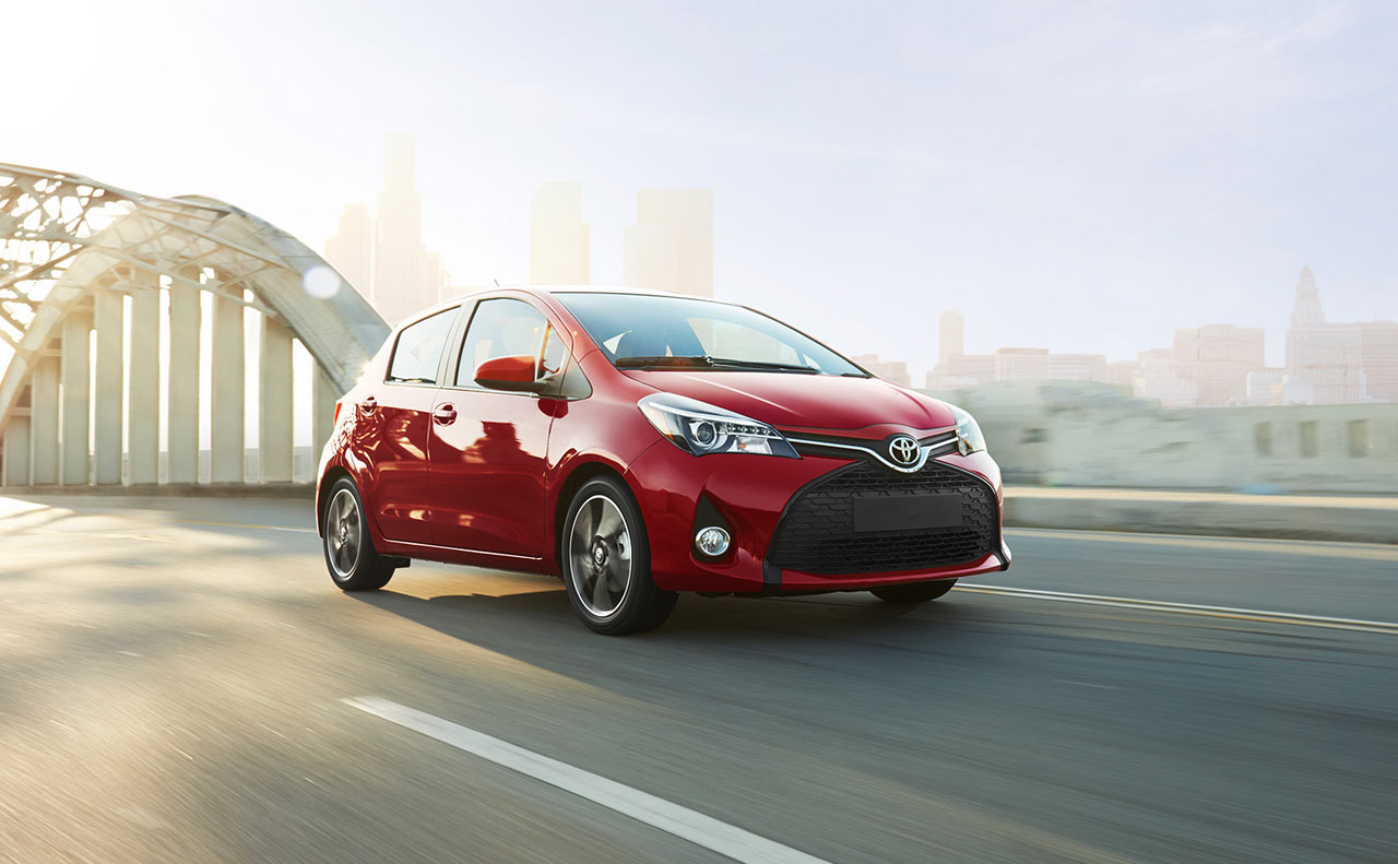 2017 toyota yaris exterior red grille side