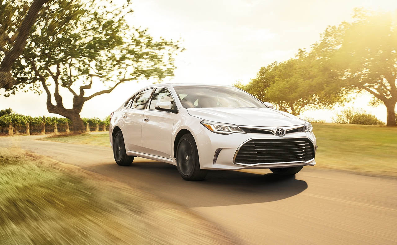 2018 toyota avalon exterior front right side