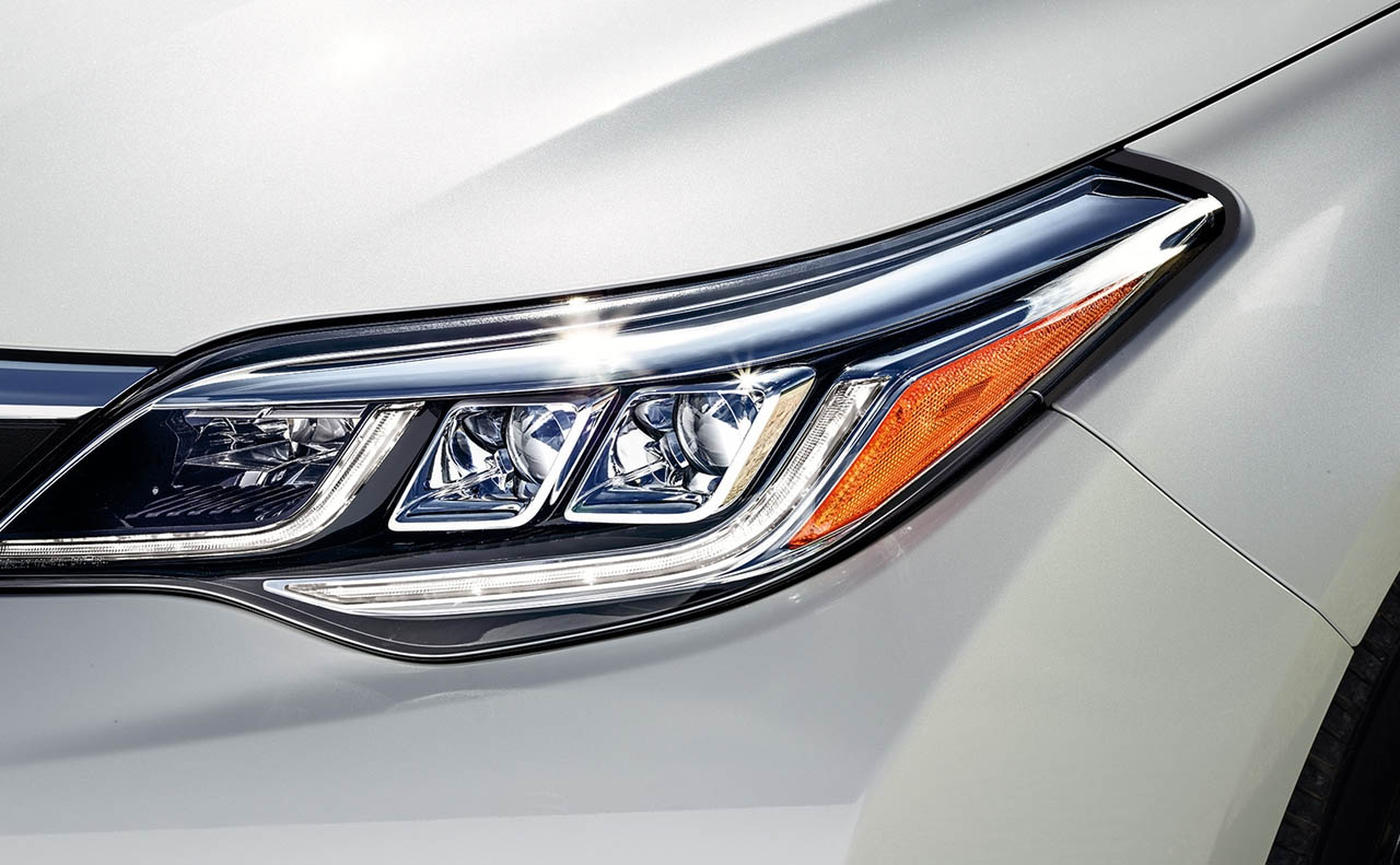 2018 toyota avalon exterior head light