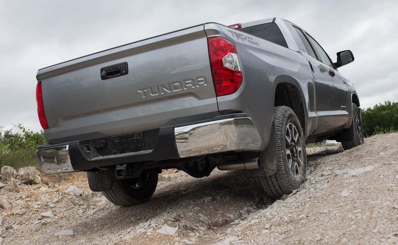 2018 toyota tundra exterior tailgate bumper