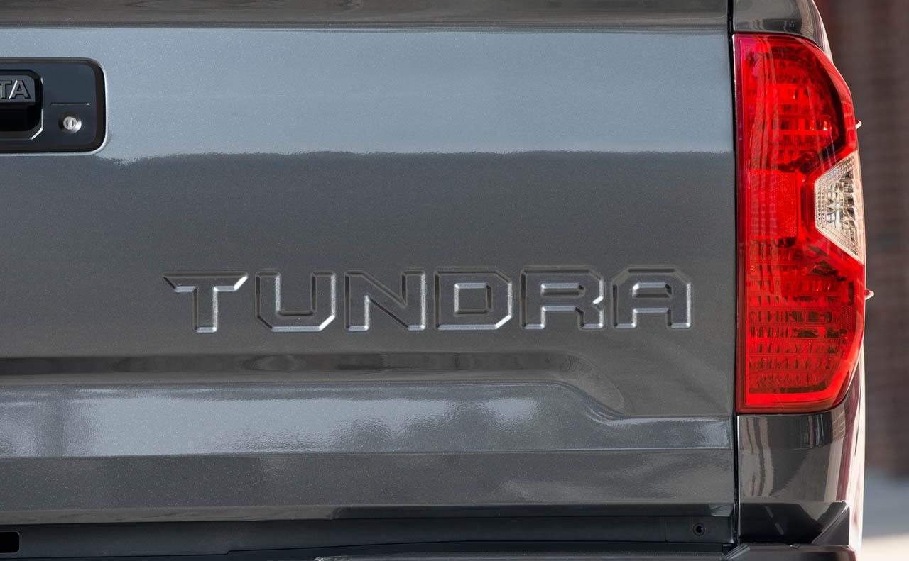 2018 toyota tundra exterior tailgate lights