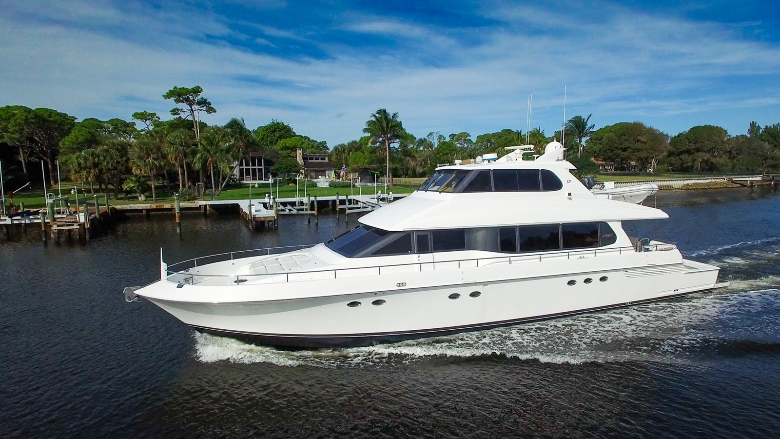 2001 LAZZARA Skylounge For Sale