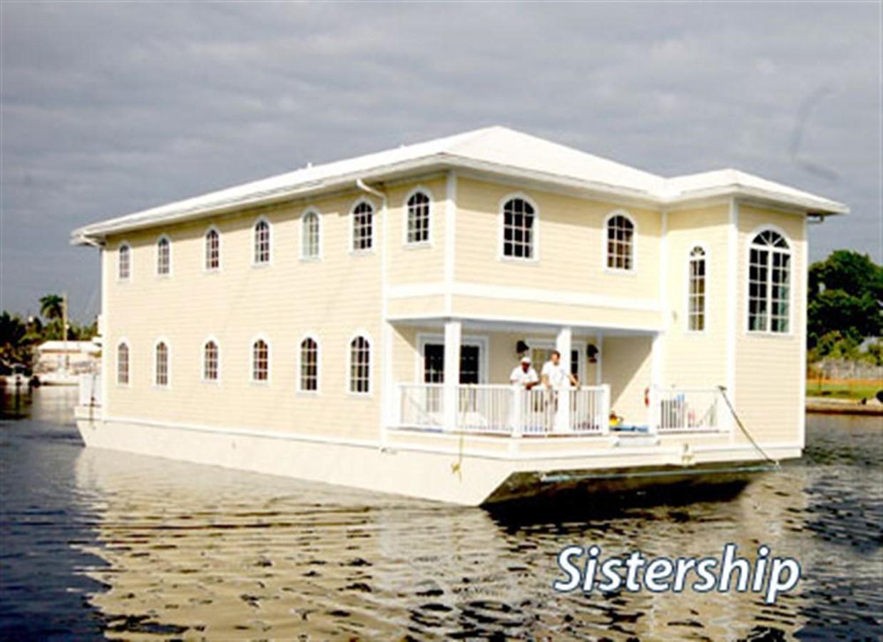 2017 CUSTOM Floating Houseboat For Sale