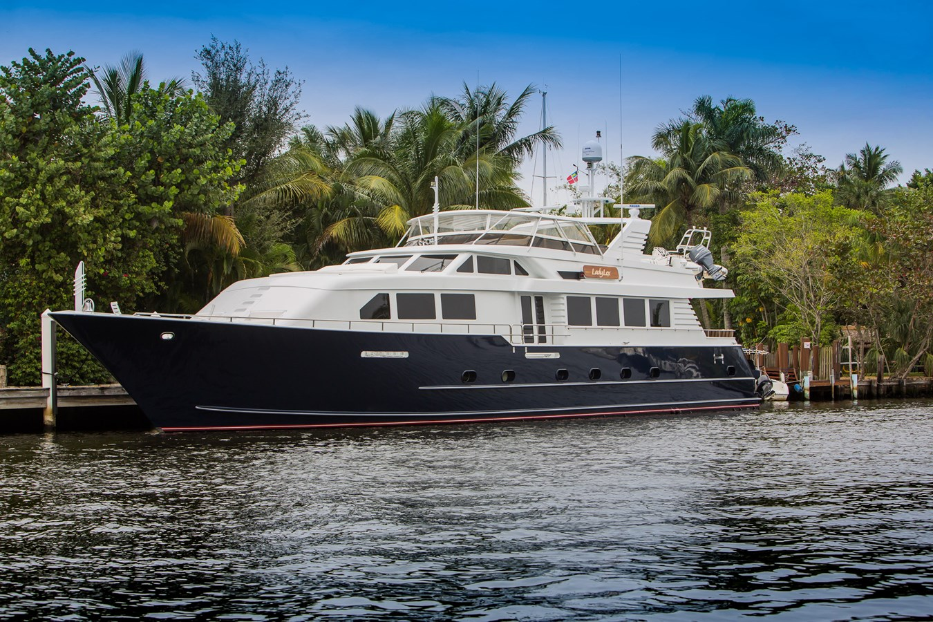 1999 BROWARD Motor Yachts For Sale