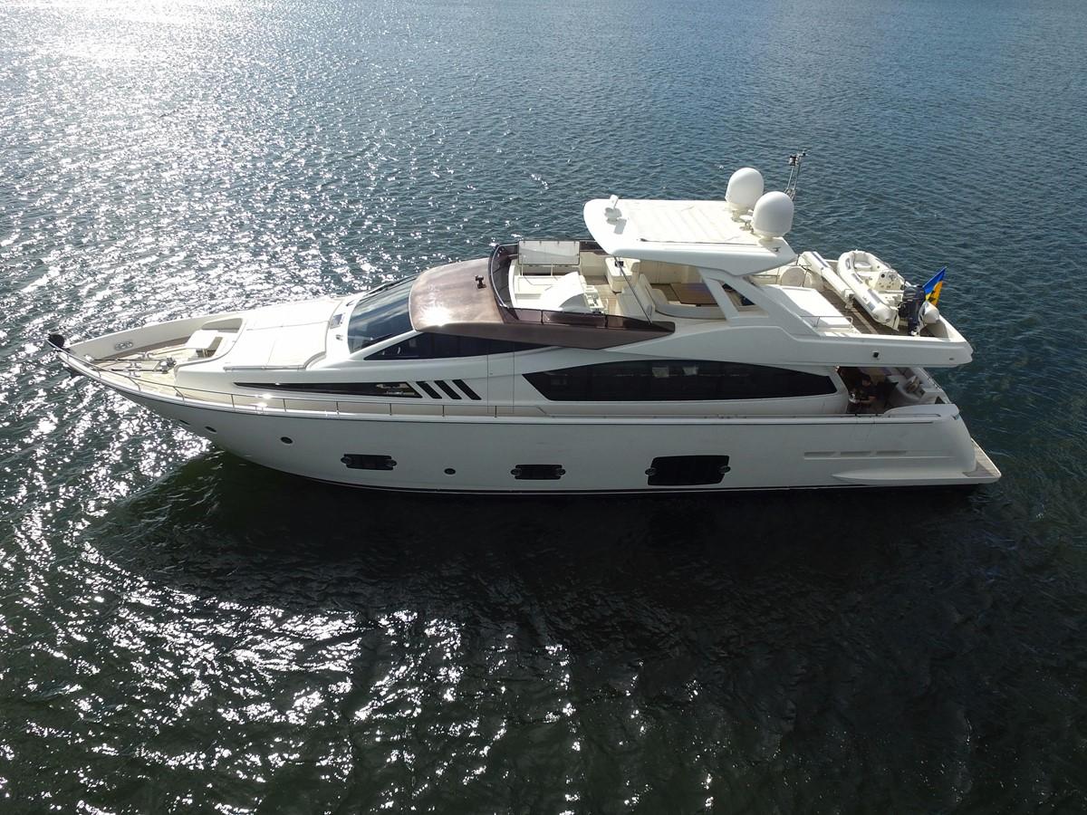 2010 Ferretti Yachts 800 For Sale