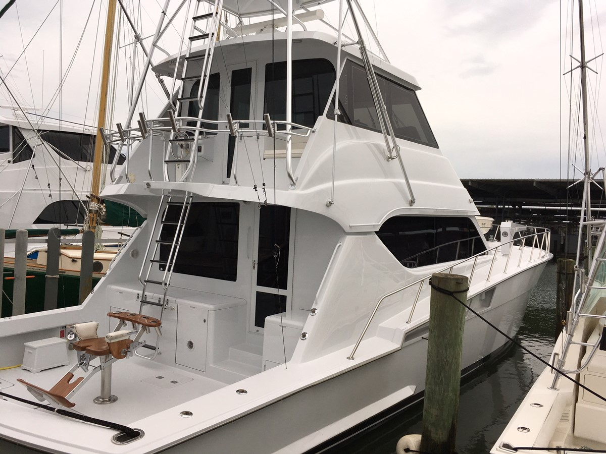 2000 HATTERAS 60 Enclosed Bridge For Sale
