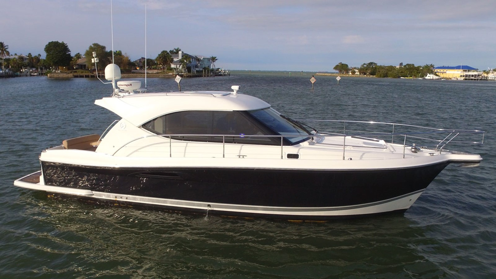 2008 RIVIERA 36 Sport Yacht For Sale