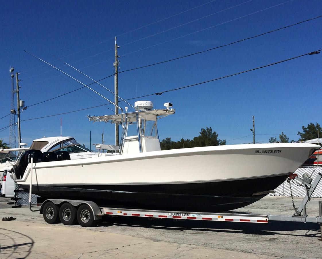 2009 CONTENDER 33 Stepped Hull For Sale