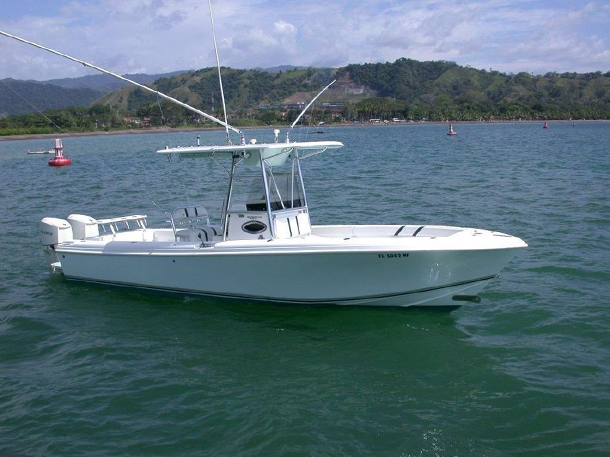 2006 BLUE WATER BOATS 2550 Center Console For Sale