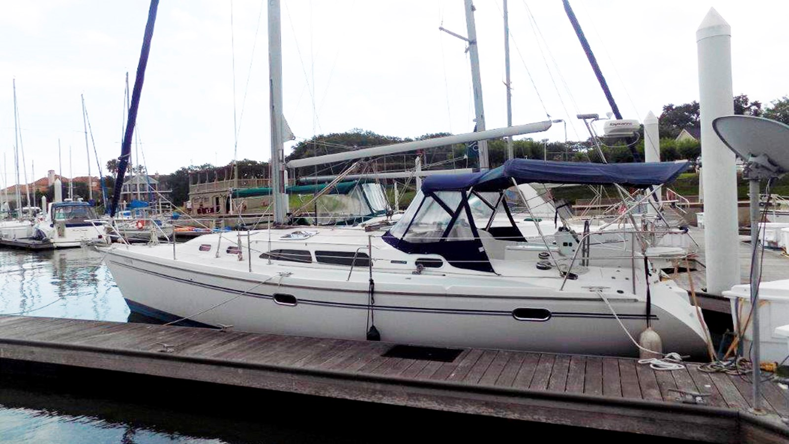 2004 CATALINA 350 For Sale