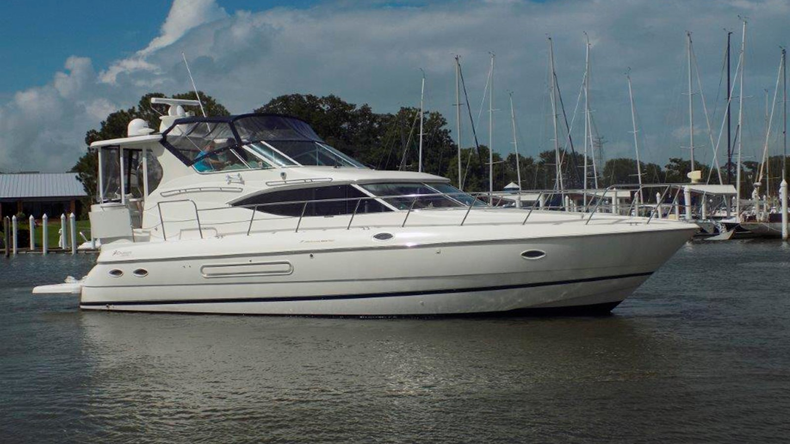 2001 Cruisers Yachts 4450 Motor Yacht For Sale