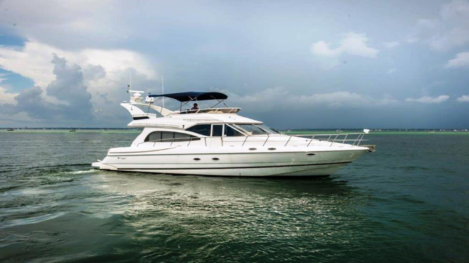 1999 Cruisers Yachts 50 Sport Sedan For Sale