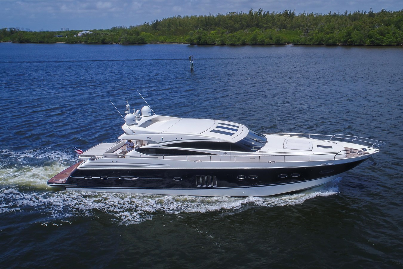2010 Princess Yachts V78 Sport Cruiser For Sale