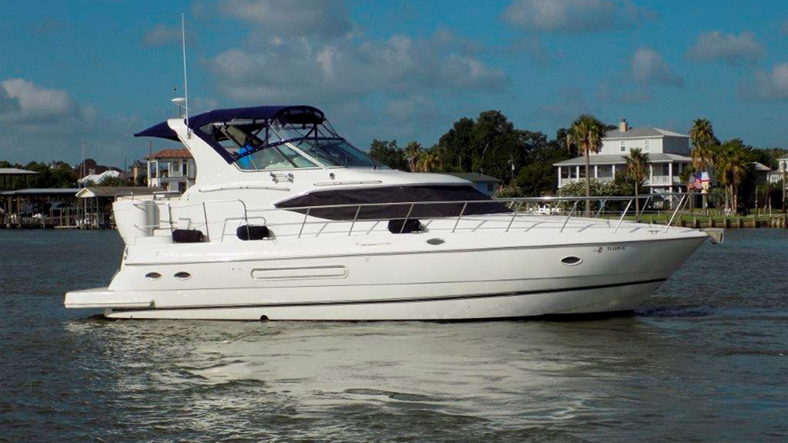 2000 Cruisers Yachts 4450 Motor Yacht For Sale