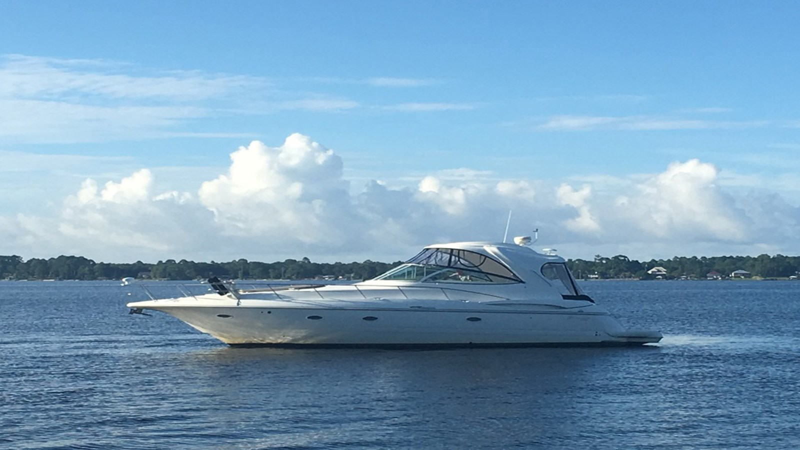 2006 CRUISERS 46 Express For Sale