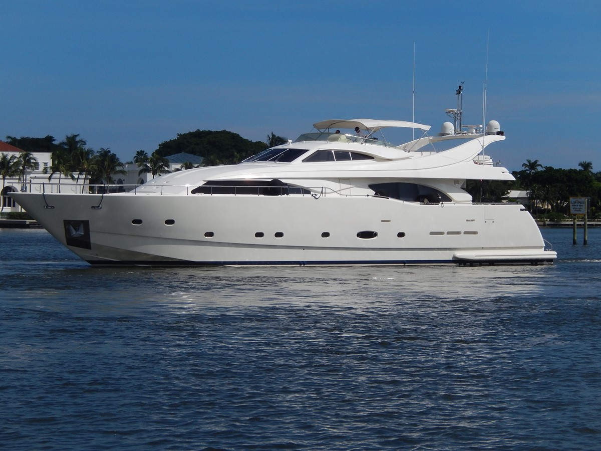 2003 FERRETTI Custom Flybridge For Sale