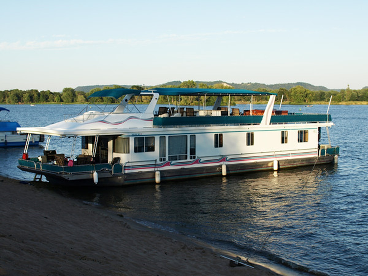 2005 Lakeview HOUSEBOAT 79 X 18 For Sale