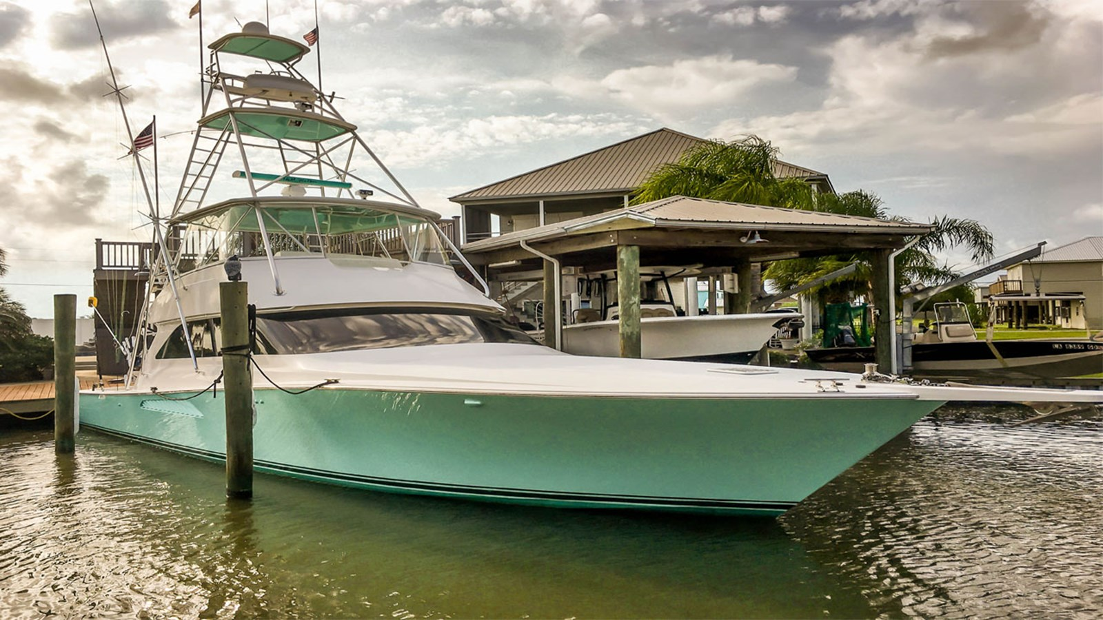 2006 VIKING 52 Convertible For Sale