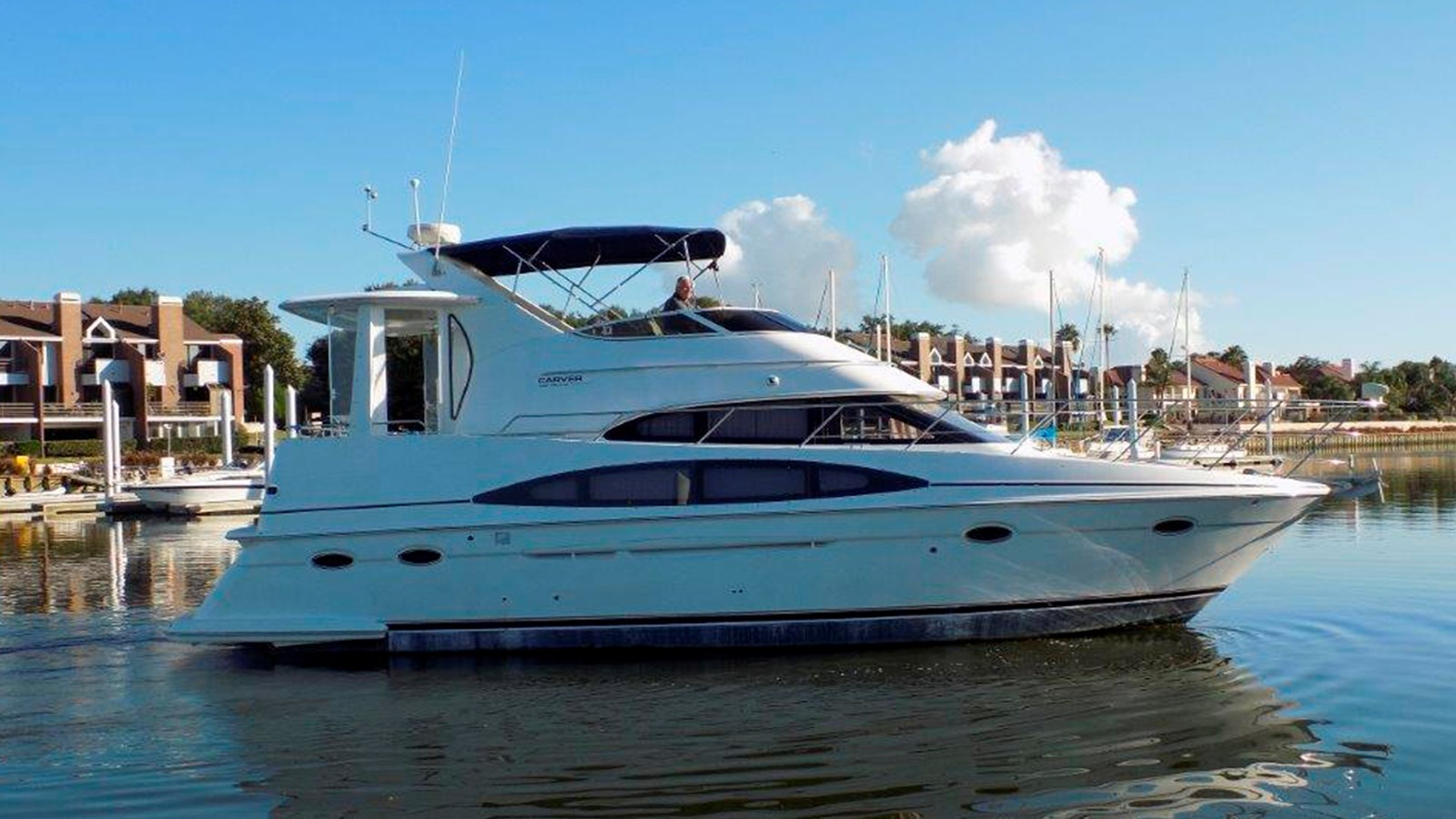 2000 CARVER 396 Motor Yacht For Sale