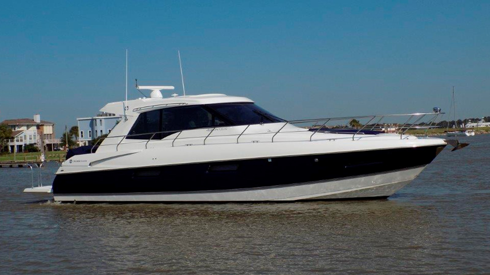 2015 CRUISERS 48 Cantius For Sale