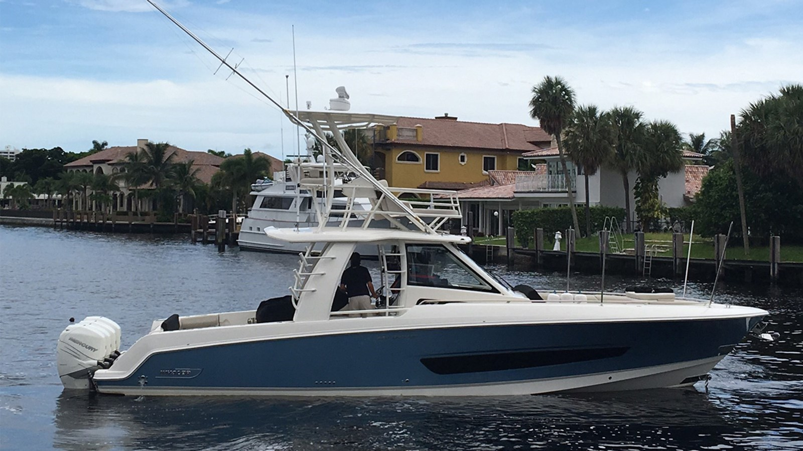 2017 BOSTON WHALER 420 Outrage For Sale
