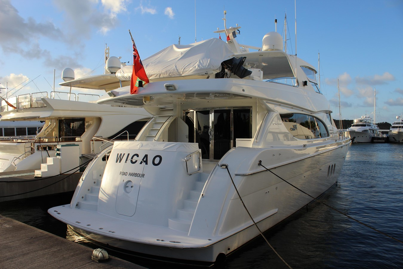 2004 Hatteras 80 Motor Yacht For Sale