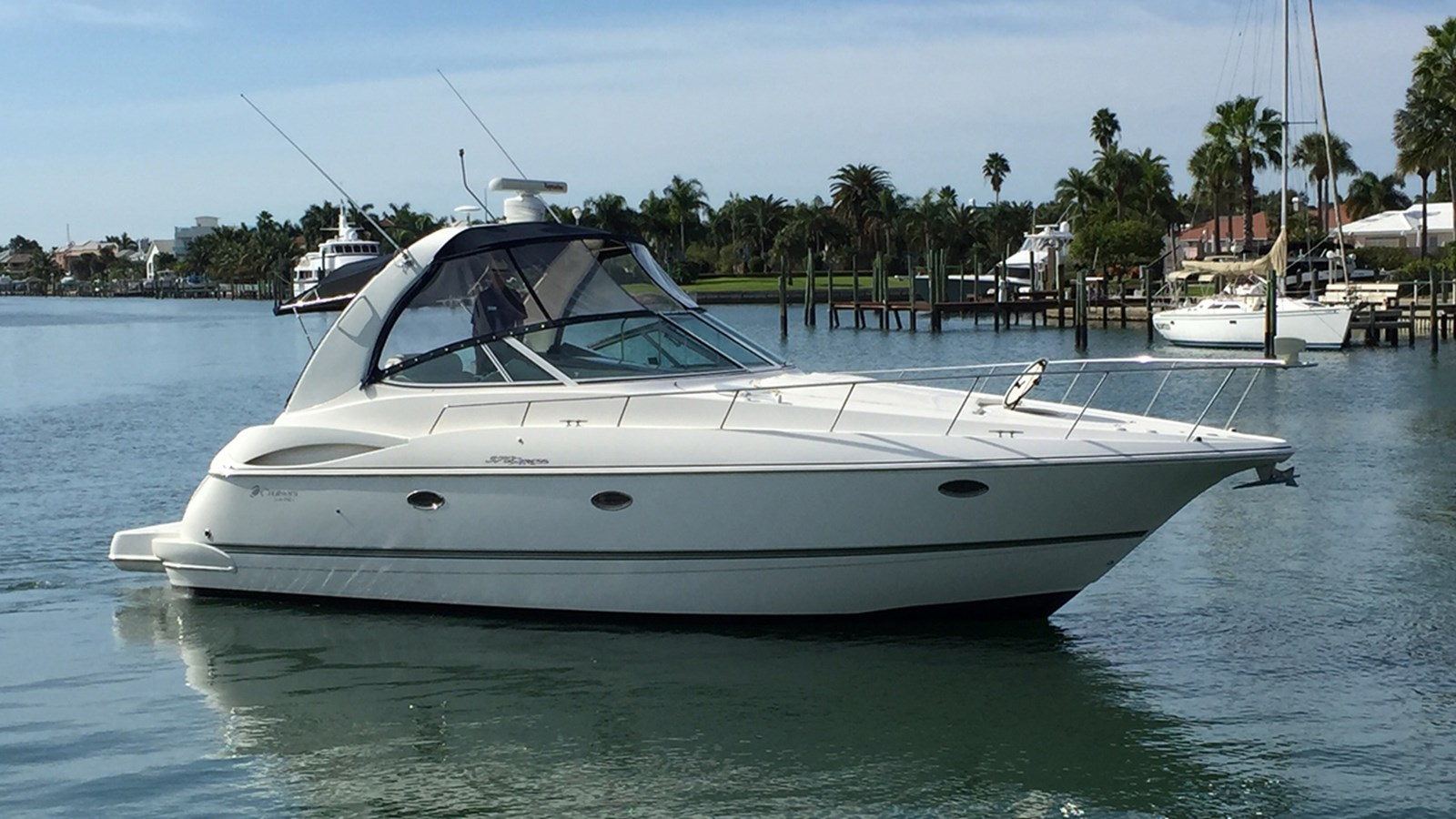 2005 CRUISERS 370 Express For Sale