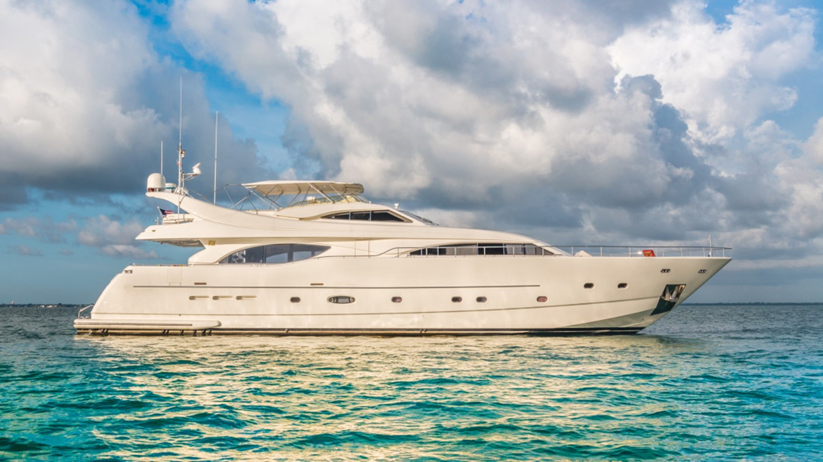 2004 FERRETTI CUSTOM LINE  For Sale