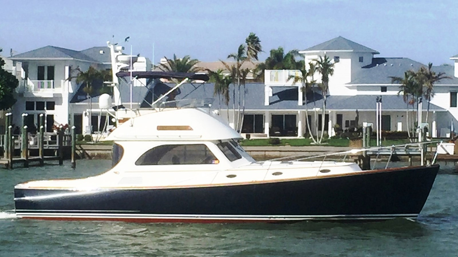 2008 HINCKLEY 44 Talaria Flybridge Jet For Sale