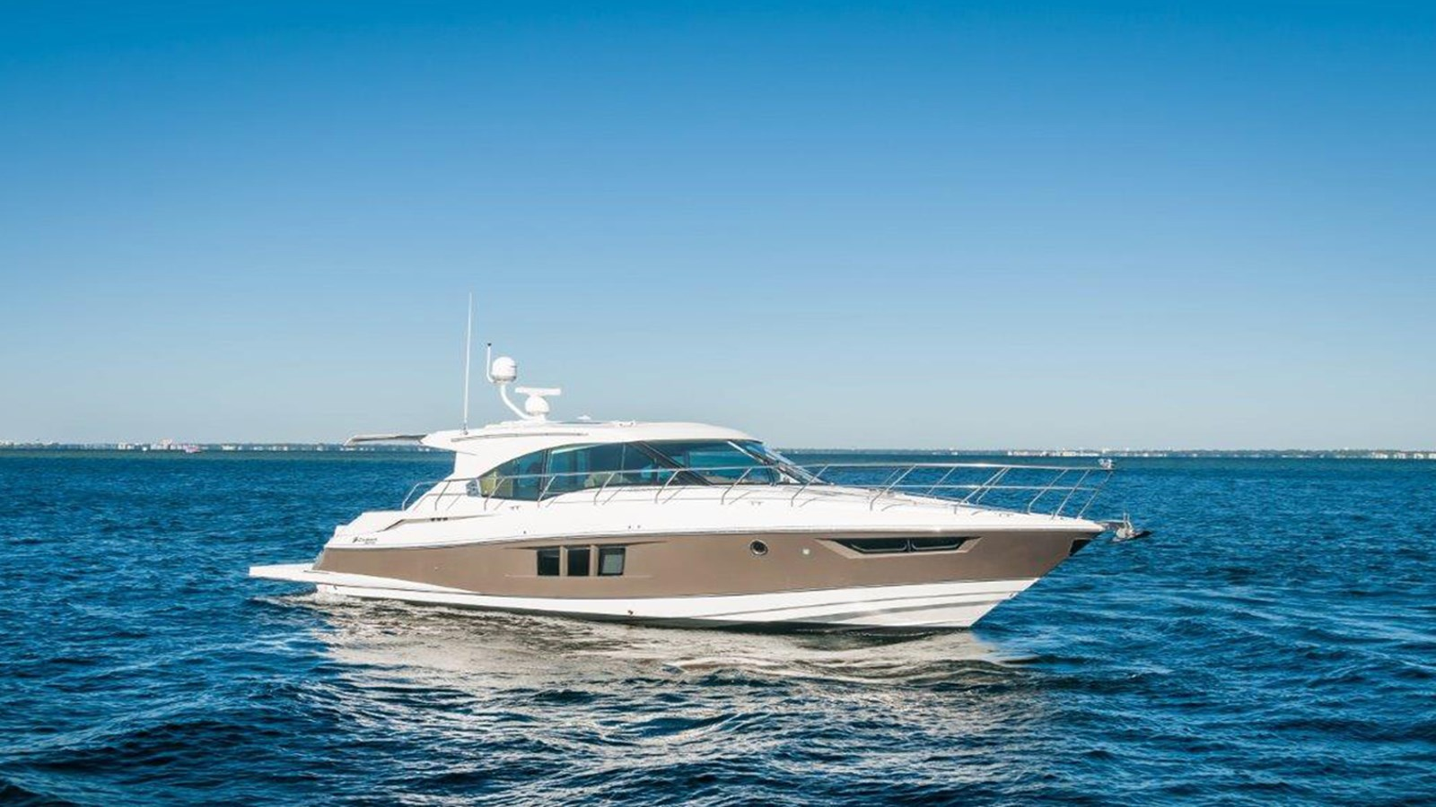 2015 Cruisers Yachts 45 Cantius  For Sale