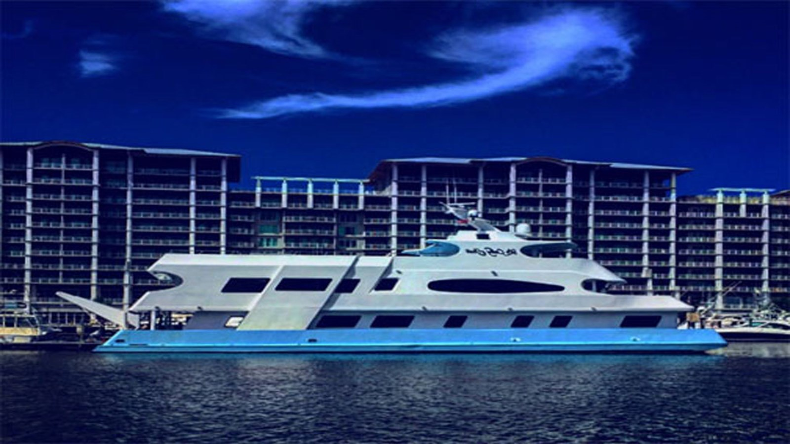 2016 CUSTOM 106 Houseboat For Sale